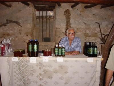 Olijfolie en wijn van eigen bodem
