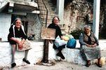 3 gezellige Griekse vrouwen op Chios - Foto van paul jansen
