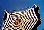 GriechenlandWeb.de Blue white parasol - Foto marjan borsjes
