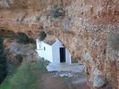Church under the rock - Foto van piwa