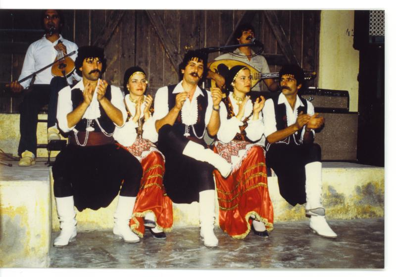 Dansgroep op Kreta
