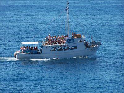 Bootje naar Preveli - Foto van https://www.grieksegids.nl/fotos/degrieksegids/2007/albums/userpics/10002/normal_boot.jpg