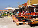 Potten- en keramiekverkoper naast Ouzeri  | Chania stad | Kreta - Foto van De Griekse Gids