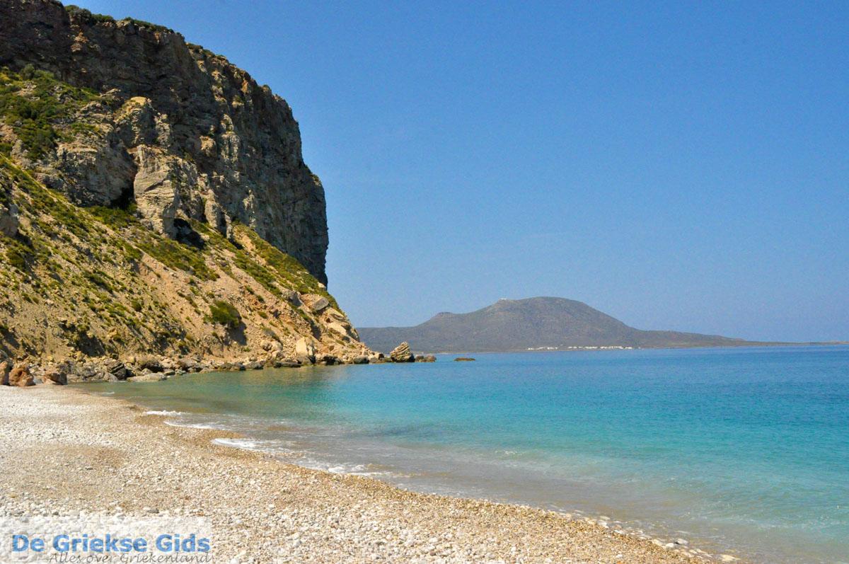 foto Komponada strand bij Karvounades op Kythira   De Griekse Gids foto 3