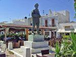 Standbeeld zeeman Kardamyla | Chios | De Griekse Gids - Foto van Doortje van Lieshout