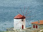 Windmolen Mavri in Marmaro bij Kardamyla | Chios - De Griekse Gids - Foto van Doortje van Lieshout