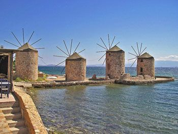 De windmolens   Chios stad Tampakika - De Griekse Gids - Foto van Doortje van Lieshout