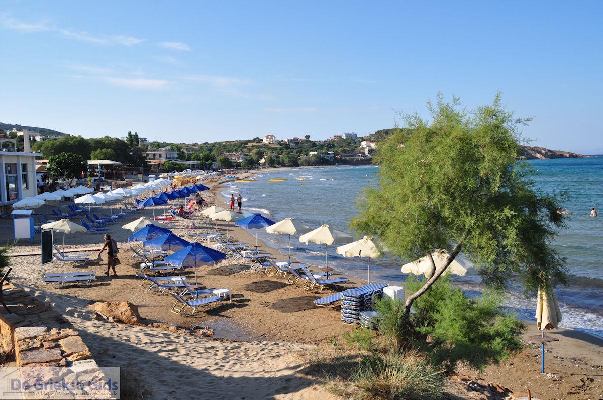 foto Het drukke Karfas strand - Eiland Chios