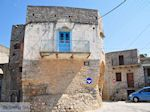 Blauwe deur in Mesta - Eiland Chios - Foto van De Griekse Gids