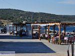 Tussen het haventje en het strand van Katarraktis - Eiland Chios - Foto van De Griekse Gids