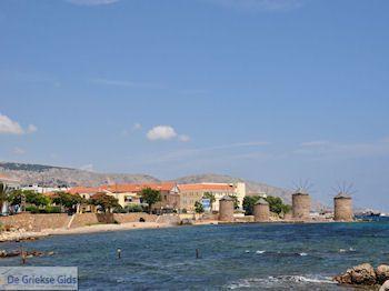 Molens bij Chios stad - Eiland Chios - Foto van https://www.grieksegids.nl/fotos/eilandchios/350pixels/eiland-chios-foto-021.jpg