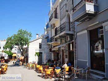 Het centrale dorpsplein in Pyrgi - Eiland Chios - Foto van De Griekse Gids