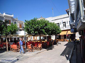 Pyrgi: Hier is het gezellig - Eiland Chios - Foto van https://www.grieksegids.nl/fotos/eilandchios/350pixels/eiland-chios-foto-139.jpg