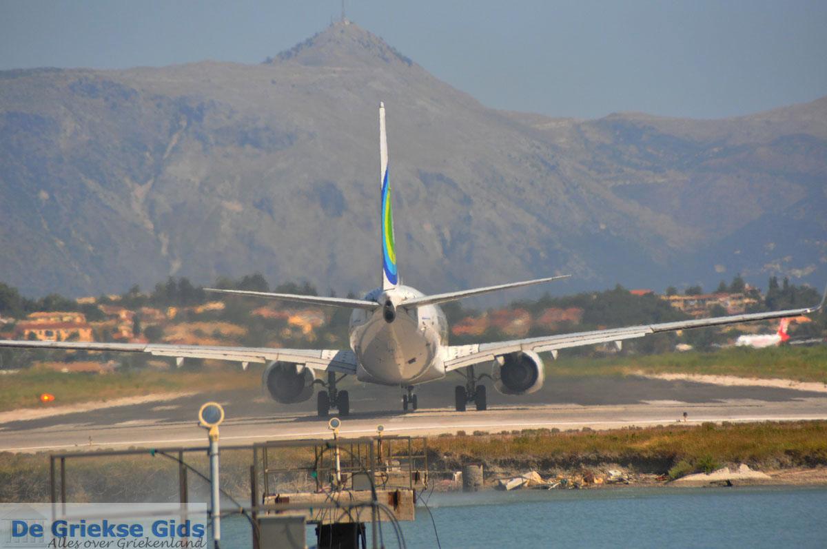 foto Vliegveld Corfu bij Kanoni | Corfu | De Griekse Gids foto 79