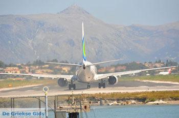 Vliegveld Corfu bij Kanoni   Corfu   De Griekse Gids foto 79 - Foto van https://www.grieksegids.nl/fotos/eilandcorfu/corfu/corfu-mid/corfu-grieksegids-0542.jpg