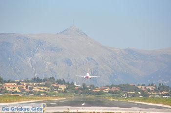 Vliegveld Corfu bij Kanoni   Corfu   De Griekse Gids foto 82 - Foto van https://www.grieksegids.nl/fotos/eilandcorfu/corfu/corfu-mid/corfu-grieksegids-0545.jpg