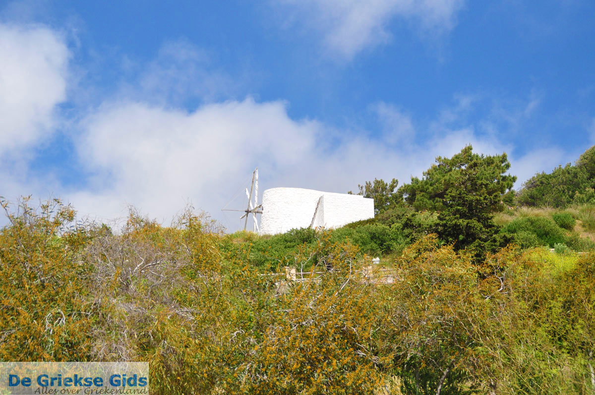 foto Oude windmolen Pyles | Eiland Karpathos | De Griekse Gids