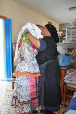 Traditionele klederdracht Olympos Karpathos | De Griekse Gids foto 002 - Foto van De Griekse Gids