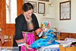 Traditionele klederdracht Olympos Karpathos | De Griekse Gids foto 005