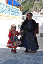 Traditionele klederdracht Olympos Karpathos | De Griekse Gids foto 012 - Foto van De Griekse Gids
