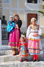 Traditionele klederdracht Olympos Karpathos | De Griekse Gids foto 013 - Foto van De Griekse Gids