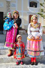 Traditionele klederdracht Olympos Karpathos | De Griekse Gids foto 016 - Foto van De Griekse Gids