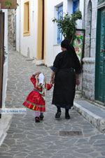 Traditionele klederdracht Olympos Karpathos | De Griekse Gids foto 018 - Foto van De Griekse Gids