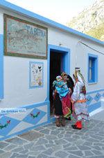 Traditionele klederdracht Olympos Karpathos | De Griekse Gids foto 021 - Foto van De Griekse Gids