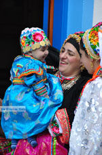 Traditionele klederdracht Olympos Karpathos | De Griekse Gids foto 024 - Foto van De Griekse Gids