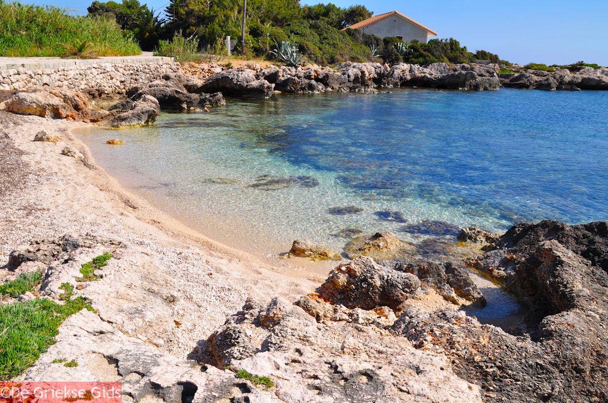 foto Strand bij vuurtoren Agioi Theodoroi - Kefalonia - Foto 298