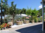 JustGreece.com Terrasjes met uitzicht in Athani - Lefkas (Lefkada) - Foto van De Griekse Gids