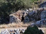 JustGreece.com Volti, gewelfde huisjes op hoogvlakte Englouvi - Lefkas (Lefkada) - Foto van De Griekse Gids
