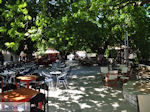 Het gezellige plein van Karia (Karya) foto 1 - Lefkas (Lefkada) - Foto van De Griekse Gids