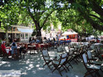 Het gezellige plein van Karia (Karya) foto 2 - Lefkas (Lefkada) - Foto van De Griekse Gids