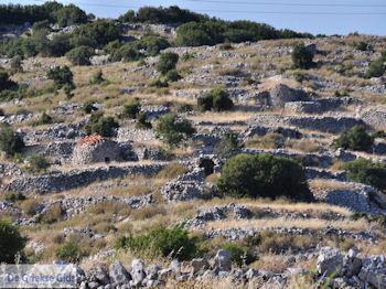 Volti, stenen huisjes van Englouvi - Lefkas (Lefkada) - Foto van https://www.grieksegids.nl/fotos/eilandlefkas-fotos/350pixels/englouvi-lefkas-017.jpg