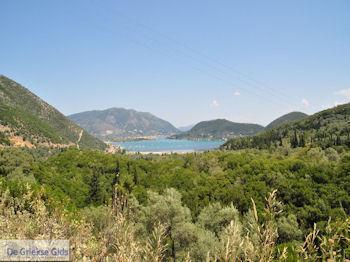 Nidri (Nydri) aan de Vlicho baai foto 3 - Lefkas (Lefkada) - Foto van De Griekse Gids