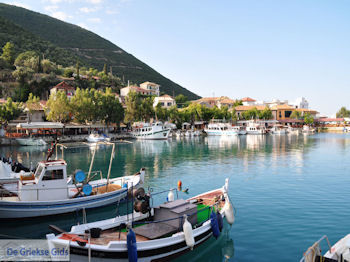 Het kustplaatsje Vassiliki (Vasiliki) foto 4 - Lefkas (Lefkada) - Foto van De Griekse Gids