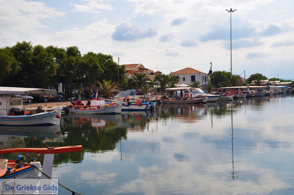 foto Mooie foto van het vissershaventje van Skala Kallonis