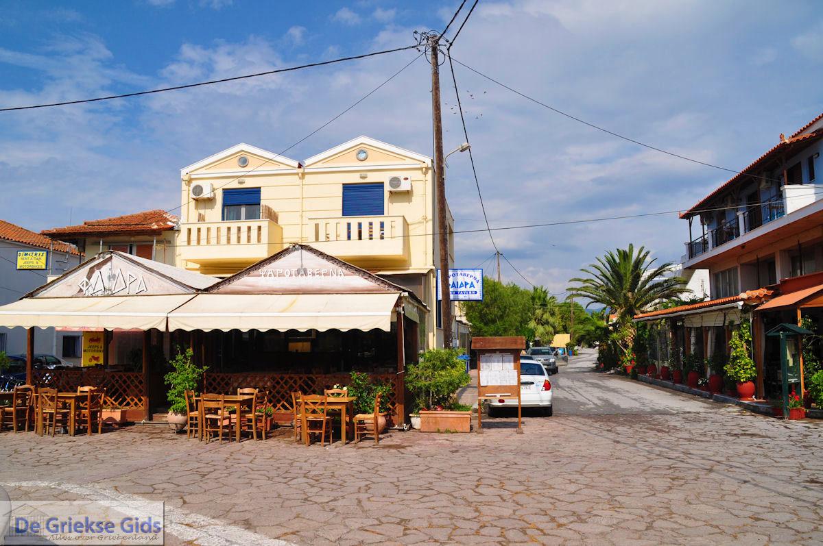 foto Visrestaurant Faidra op het plein van Skala Kallonis