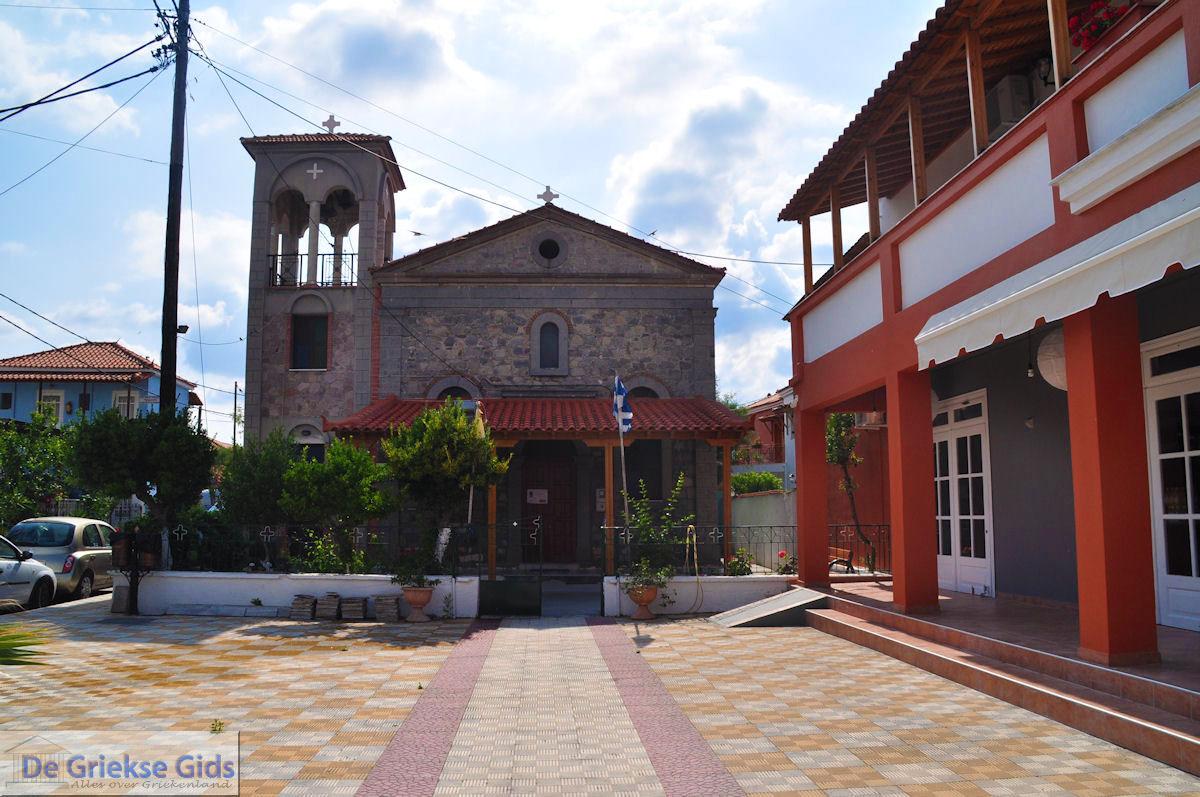 foto Griekse kerk op het plein van Skala Kallonis