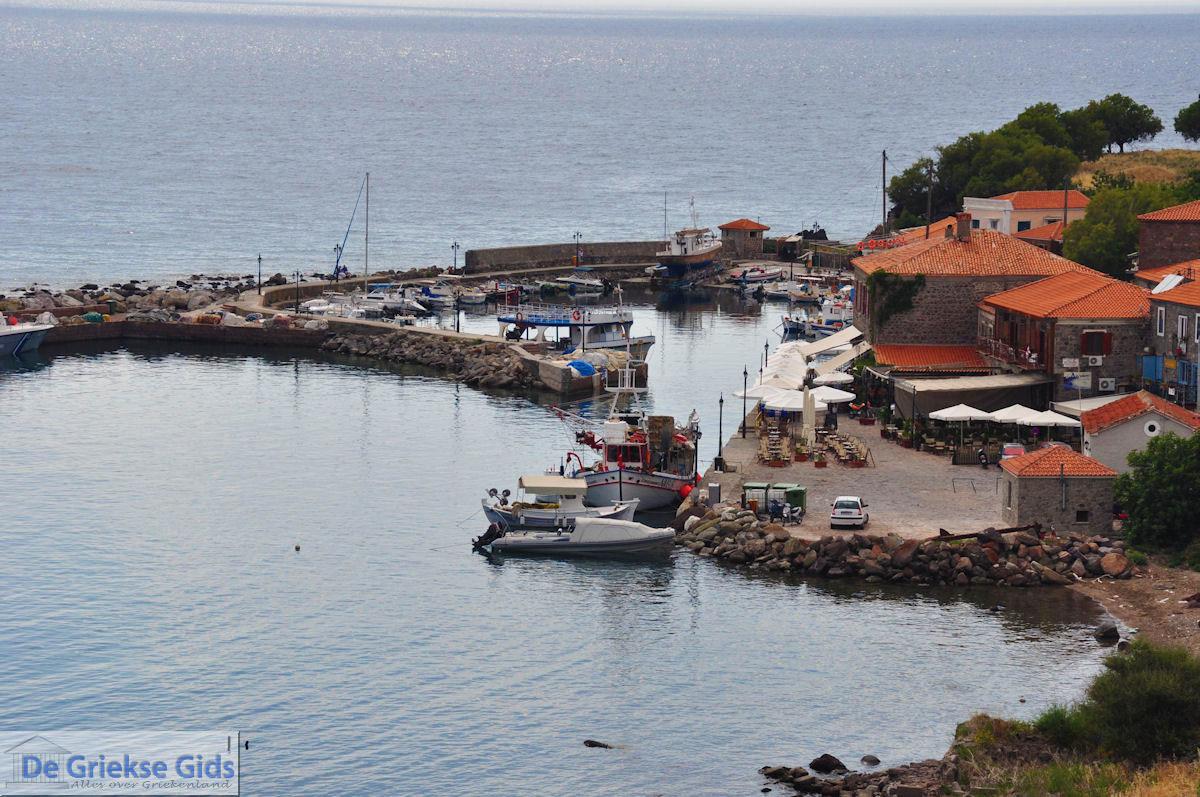 foto Het haventje van Molyvos foto 1