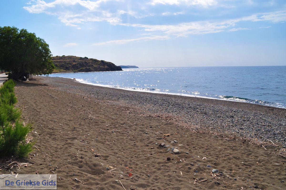 foto Het zand- kiezelstrand in Eftalou nabij Molyvos foto 3
