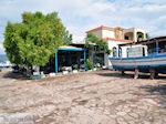 Terrasje aan het sfeervolle haventje van Skala Kallonis - Foto van De Griekse Gids