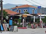 Terrasjes aan het strand van Anaxos foto 1 - Foto van De Griekse Gids