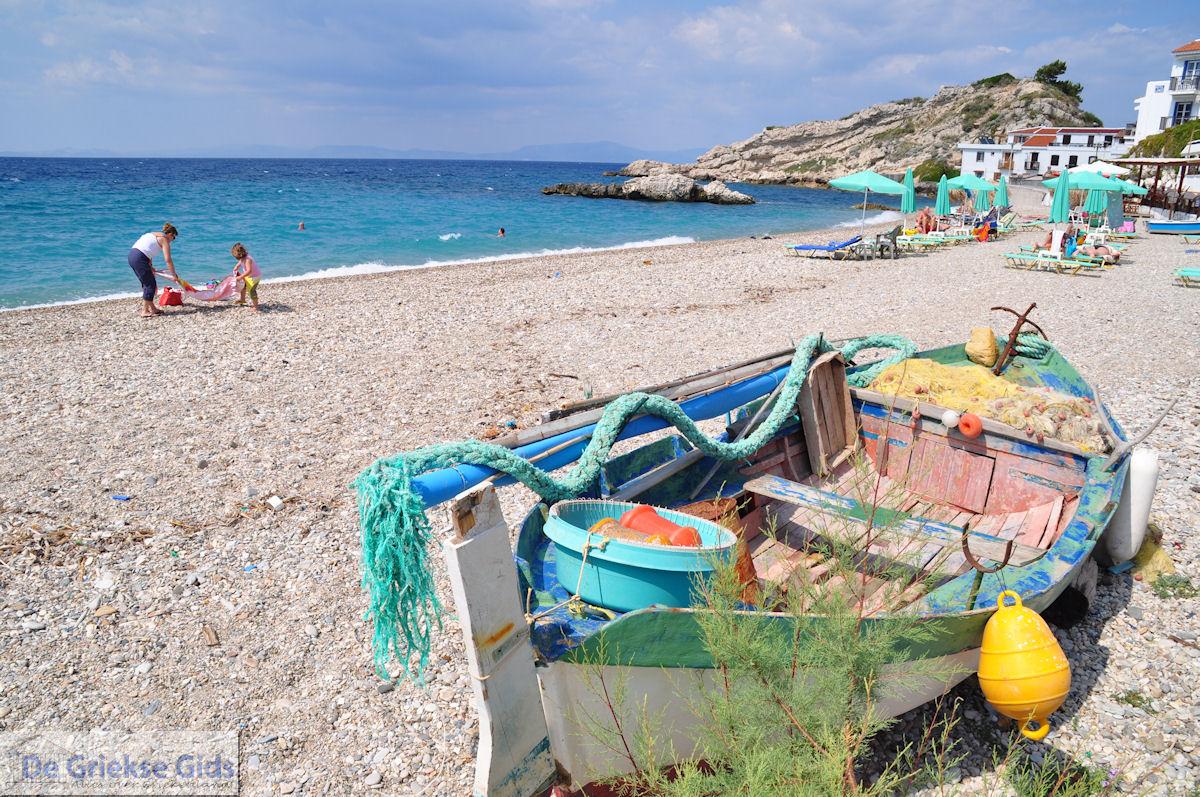 foto Vissersbootje aan het strand van Kokkari - Eiland Samos