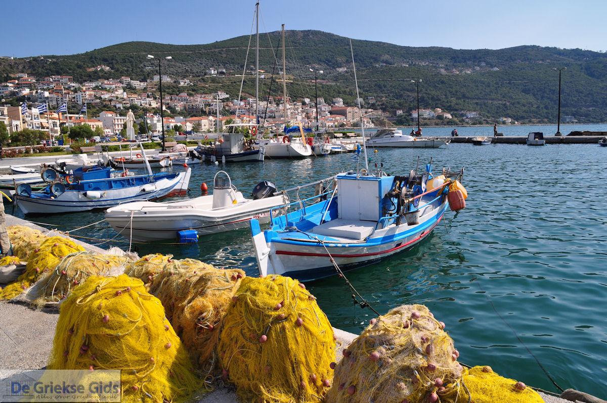 foto De vissersbootjes aan de haven van Vathy (Samos stad) - Eiland Samos