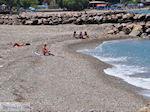 Een van de kiezelstranden van Karlovassi - Eiland Samos - Foto van De Griekse Gids
