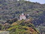 De kerk van de Heilige Maria op de top van het heuveltje in Karlovassi - Eiland Samos - Foto van De Griekse Gids