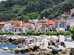 Traditionele gebouwen langs de hoofdweg in Agios Konstandinos - Eiland Samos - Foto van De Griekse Gids