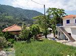 Manolates ligt in een schitterende natuuromgeving - Eiland Samos - Foto van De Griekse Gids